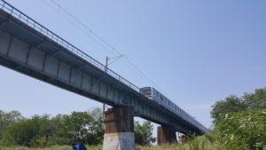 昭島市 くじら運動公園 八高線 鉄橋