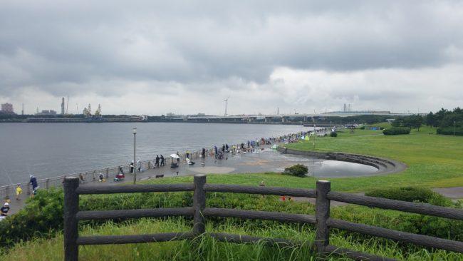 東扇島西公園 釣りを楽しむ