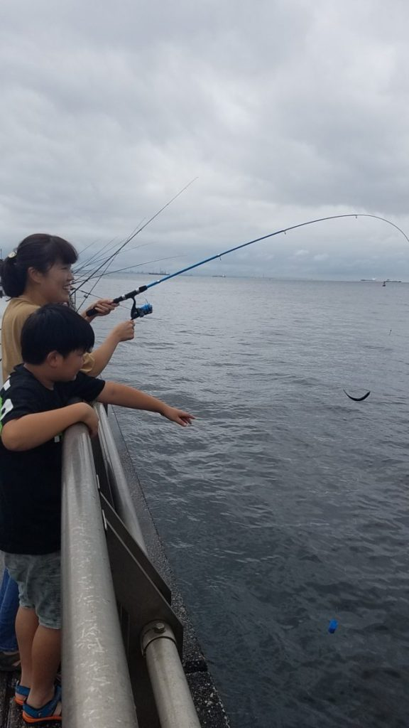 東扇島西公園 子供と釣り